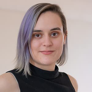 Chloe Gilmore Headshot