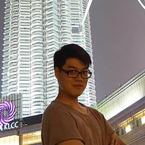 Kunpot Suriwong selfie in the city