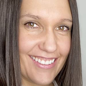 Oxana Trotsenko Headshot